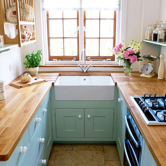 U-shaped-tiny-kitchen-design