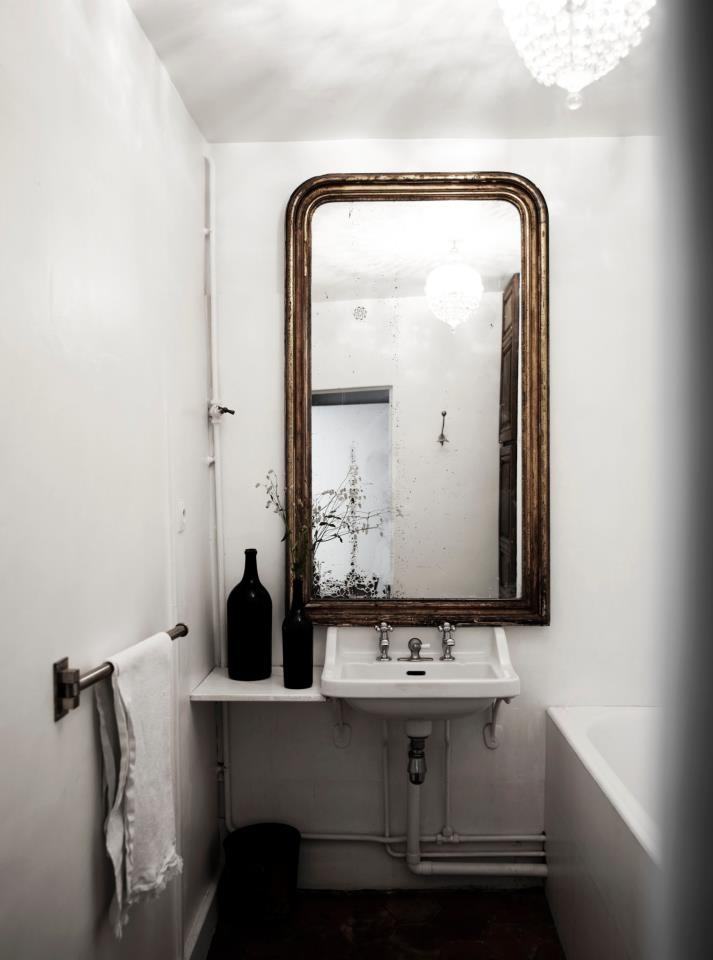 huge-mirror-bathroom