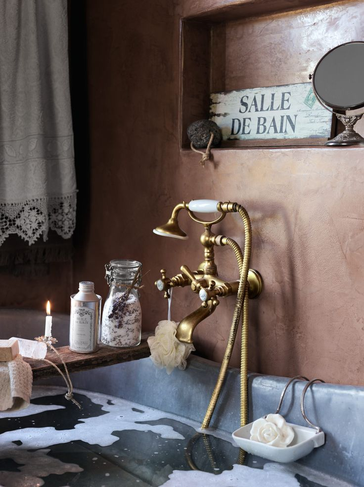 vintage-bathroom-decor