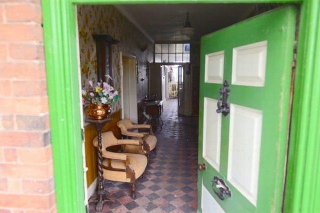 1940s-farmhouse-4