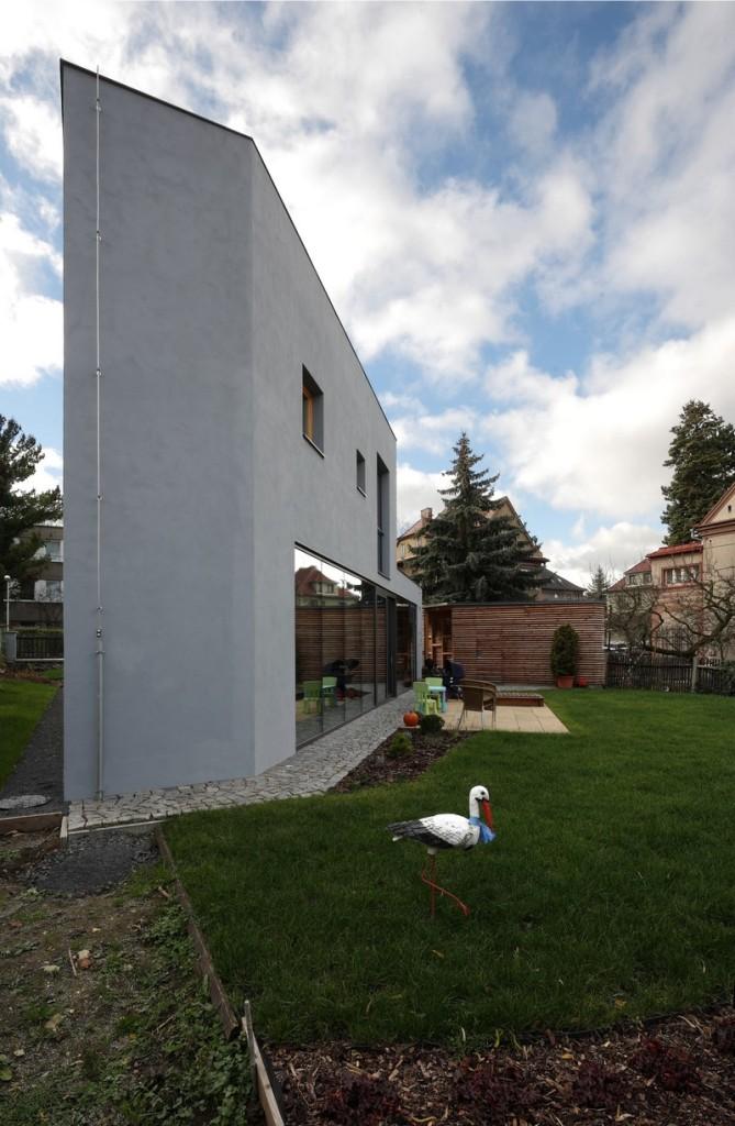 House-Teplice-by-3-1architekti-17-669x1024