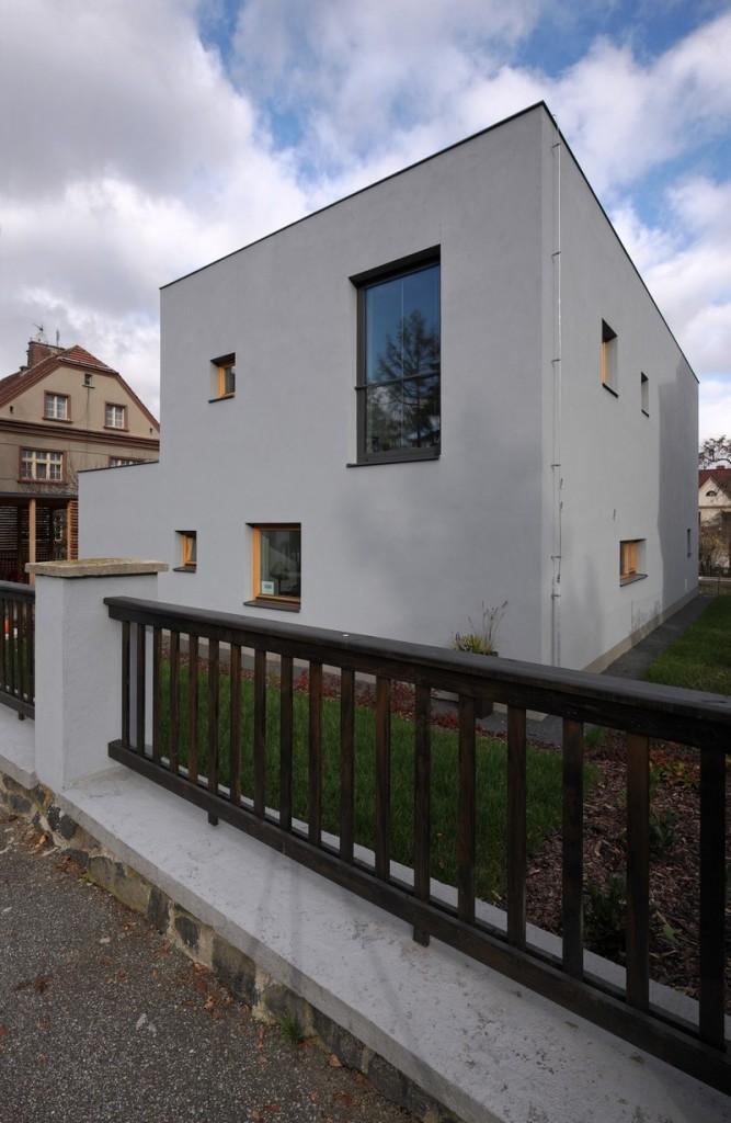 House-Teplice-by-3-1architekti-18-667x1024